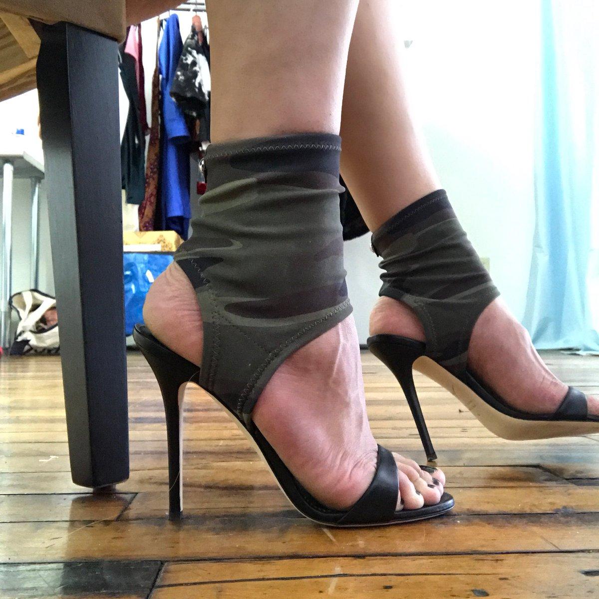 #giuseppezanotti today 👠 #footfetish #heelfetish #footworship qF5uClyTEg