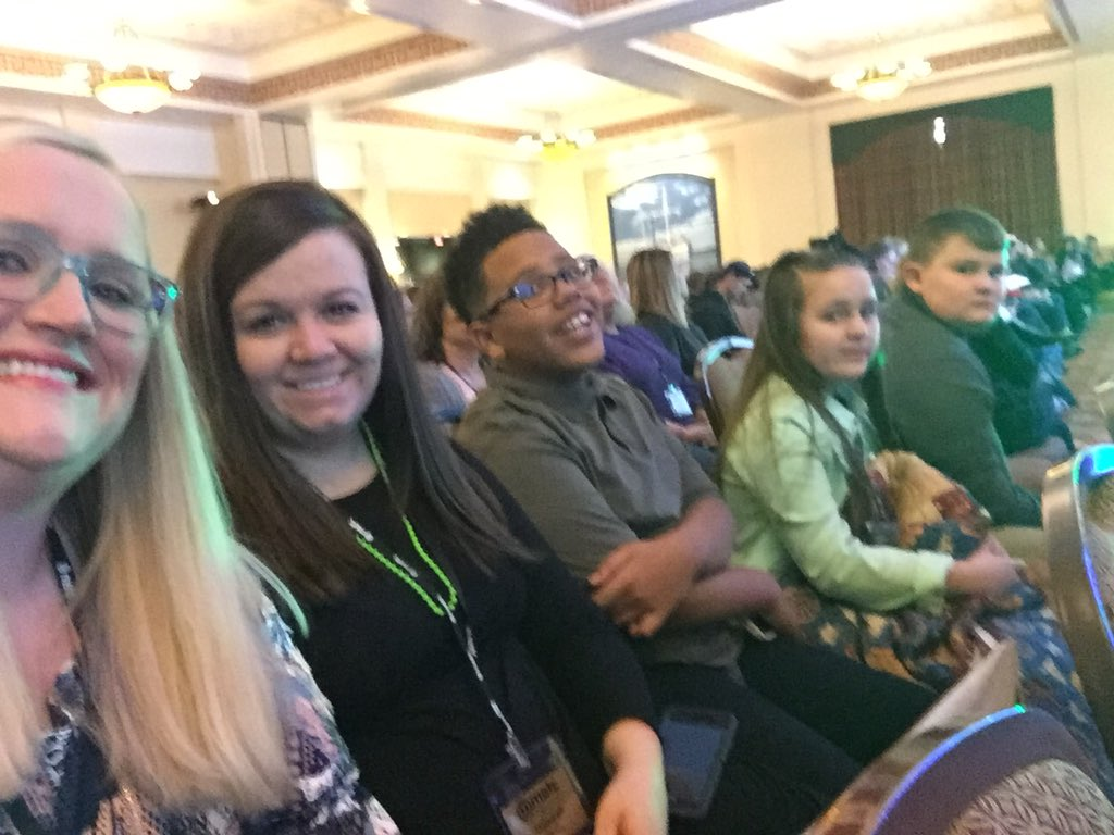 RT @atechiebookworm: At the keynote speaker with some little hornets & @becksbackyard !!! #hornetsr2 #METC18 https://t.co/fv90fMXi2J
