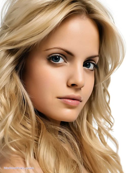 Happy Birthday, Mena Suvari!