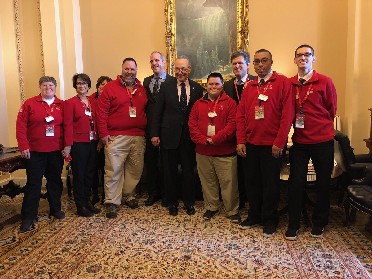 What an honor to meet with @SenSchumer and his staff at Capitol! Your support of @SpecialOlympics and an inclusive world does not go without notice! #SOHillDay @SONYinfo https://t.co/Vz9ITKUvzX
