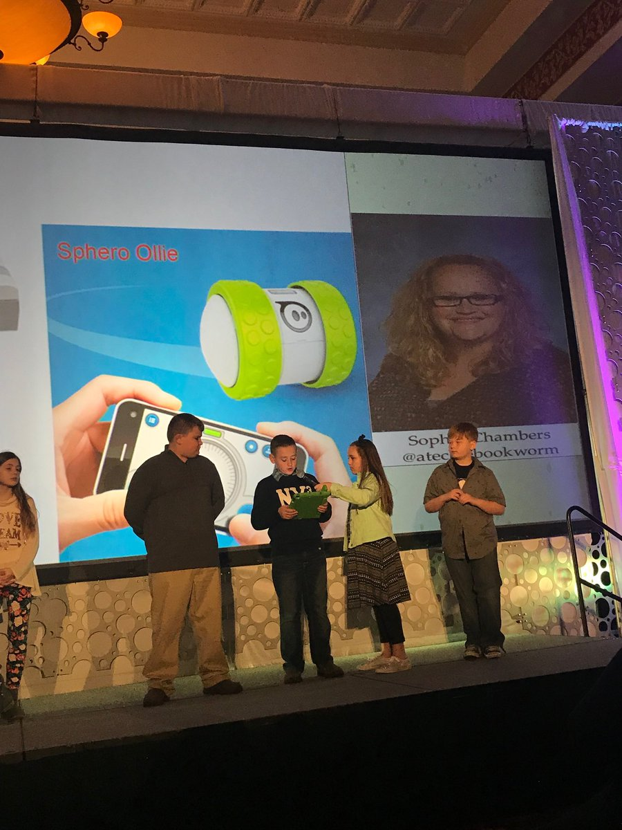 Using some of our favorite products in our presentation about STEAM education @SpheroEdu #METC18 #speakers https://t.co/6XY4rn6pAl