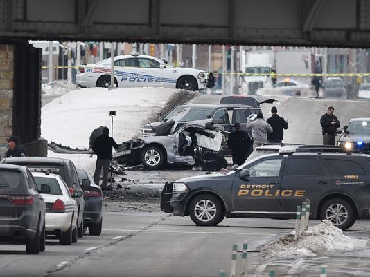 Detroit police officer killed in crash