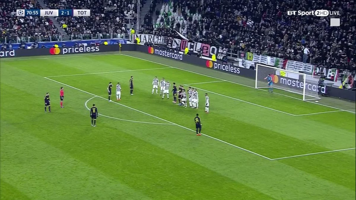 Massive goal for Spurs ⚽  Erik eriksen