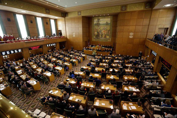 Oregon House Democrats pass universal health care proposal, amid questions over cost