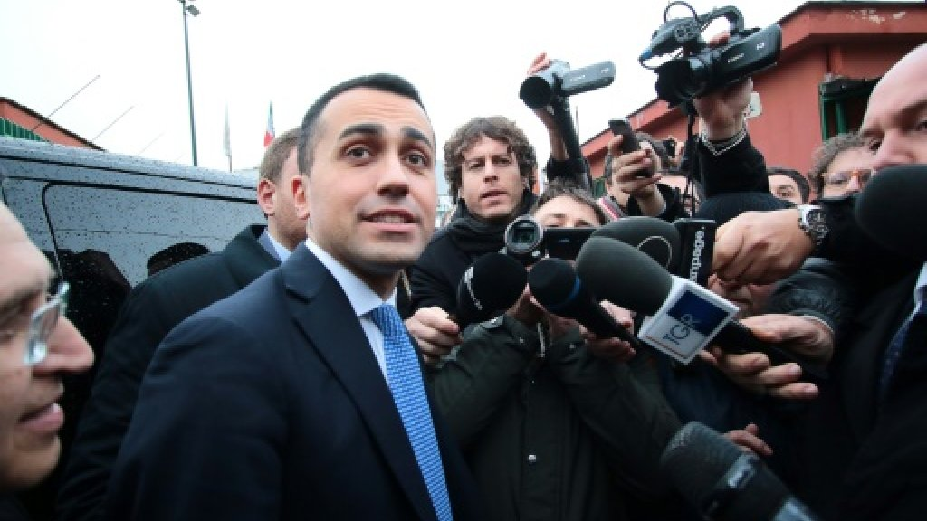 Money scandal hits populist party ahead of Italy vote
