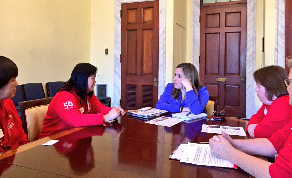 We had a great time talking swimming, showing off medals & advocating for @SpecialOlympics in our #SOHillDay meeting with Patricia Ross of @NancyPelosi's office! https://t.co/SCg920ts2F