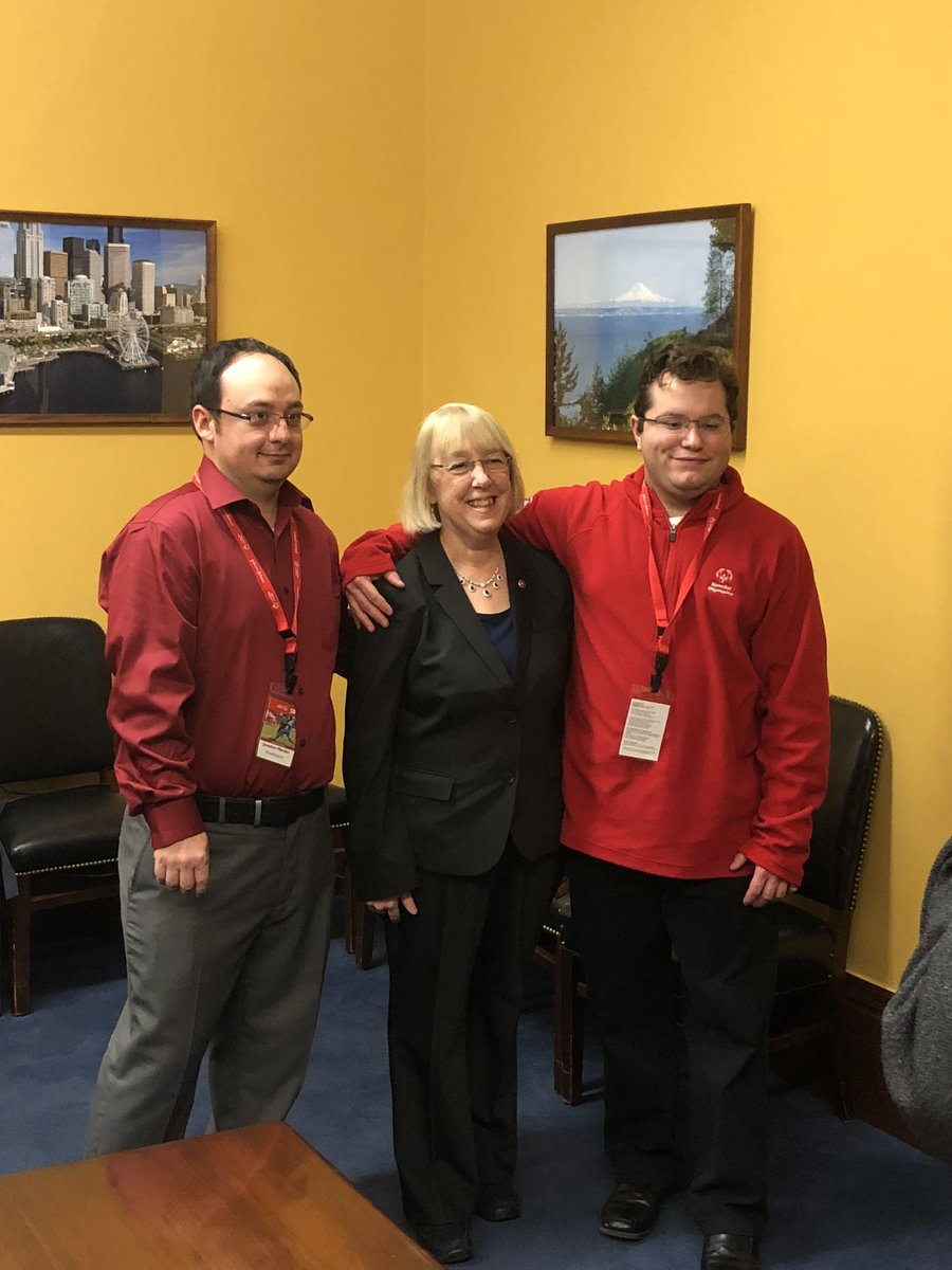 Thank you to Senator @PattyMurray for taking the time to talk with @SO_Washington athletes, Mitchell Van Sloten and Ricco Morales and for supporting the @SpecialOlympics movement. #SOHillDay https://t.co/HMyF7faBuT