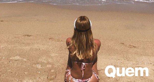 Boa Forma. Foto do site da Quem Acontece que mostra Zilu Godói passa Carnaval na praia e exibe boa forma em clique na web