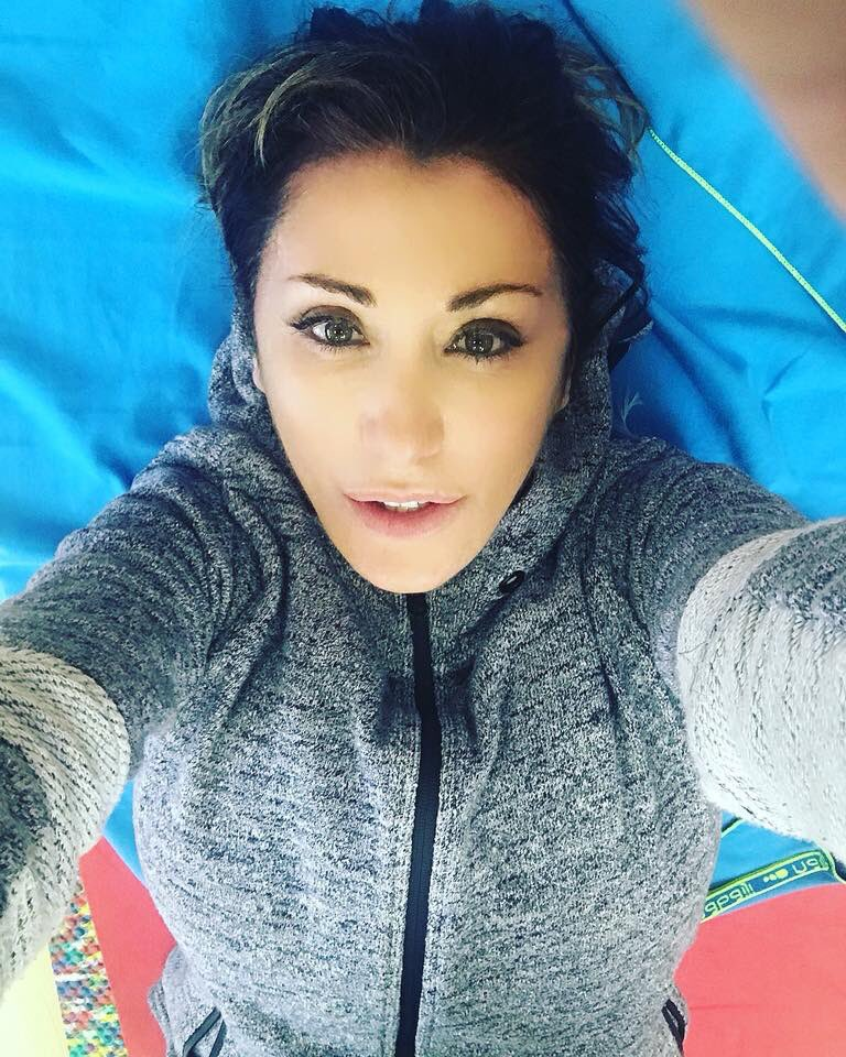 Il momento più rilassante in palestra.. #stretching #gym #iloveit #relax #me #SabrinaSalerno https://t.co/HgTdk5jZ0Y
