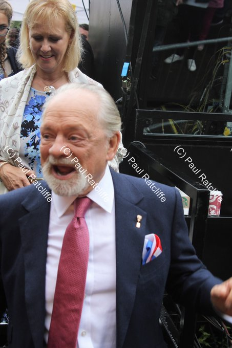 Happy 78th Birthday to the comedy legend who is, Sir David Jason!!