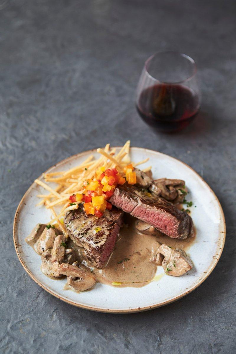 Steak that! ???? One to try this #ValentinesDay?! https://t.co/pJnTez9Z6b #FridayNightFeast https://t.co/2ZuzioFqIK