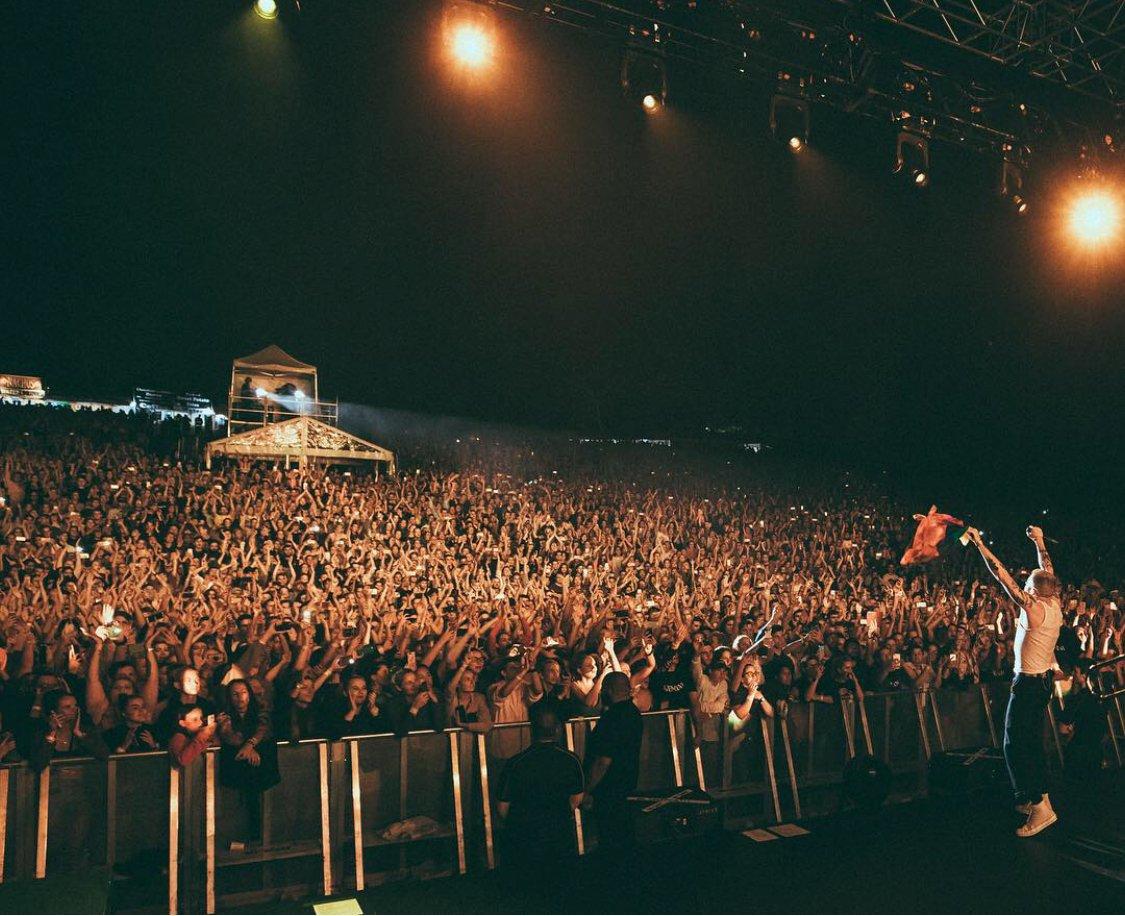 GEMINI WORLD TOUR. BRISBANE. 9,000 PEOPLE. MY GOD ????????????.. photo: @rjmckinnon https://t.co/LFzcD22CV1