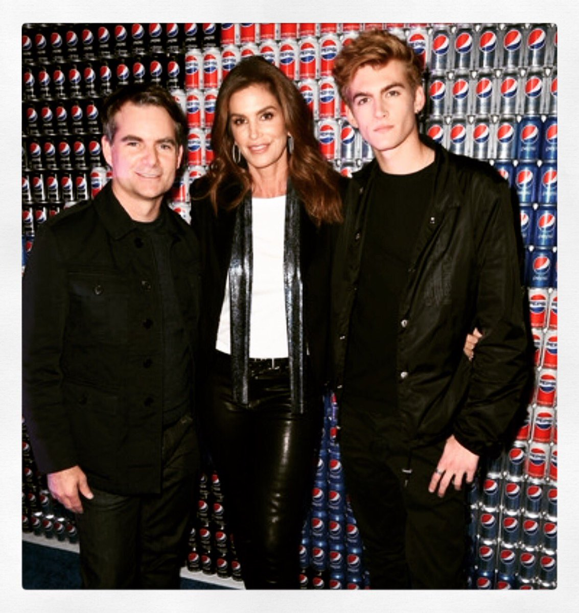 RT @ivandebosch: Pretty cool! Pepsi Super Bowl 2018 @JeffGordonWeb @CindyCrawford @PresleyGerber  @pepsi https://t.co/plZeFYC9MJ