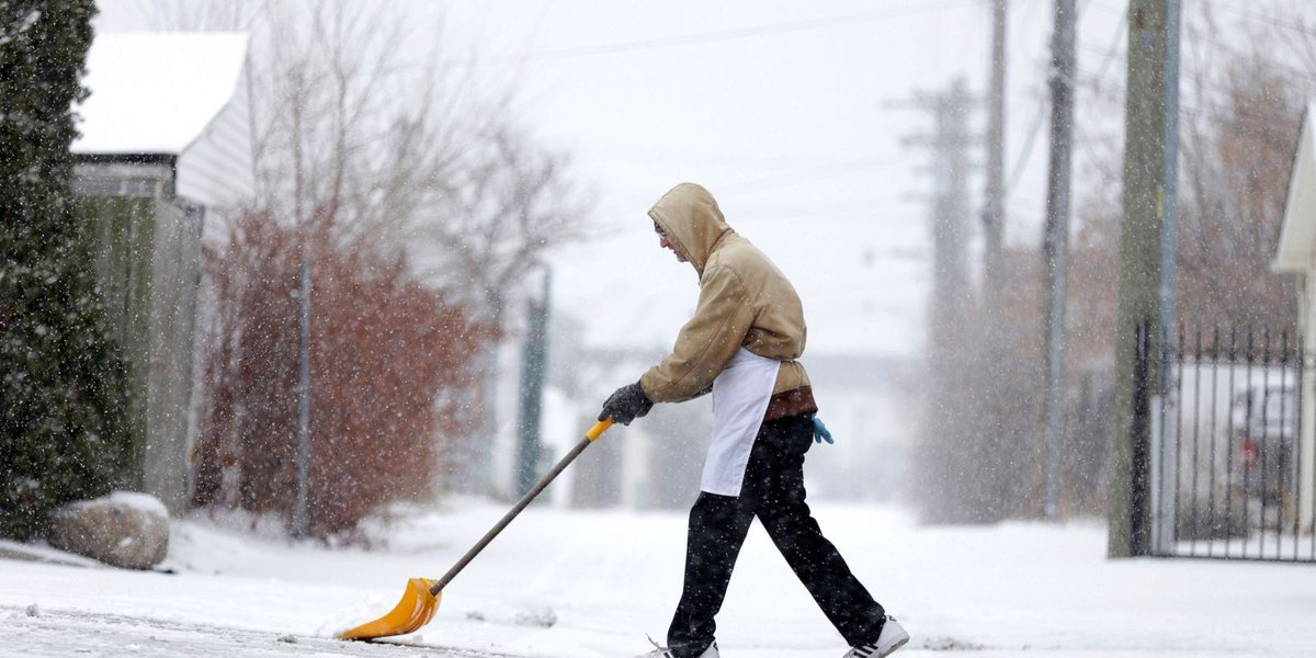 Snowfall, low temps in southeast Michigan for Super Bowl Sunday