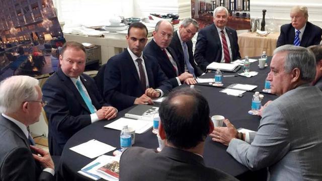 Nunes claims there's no evidence Papadopoulos ever met Trump despite photo https://t.co/PjfE1U6cJV https://t.co/PDAKPATzbg