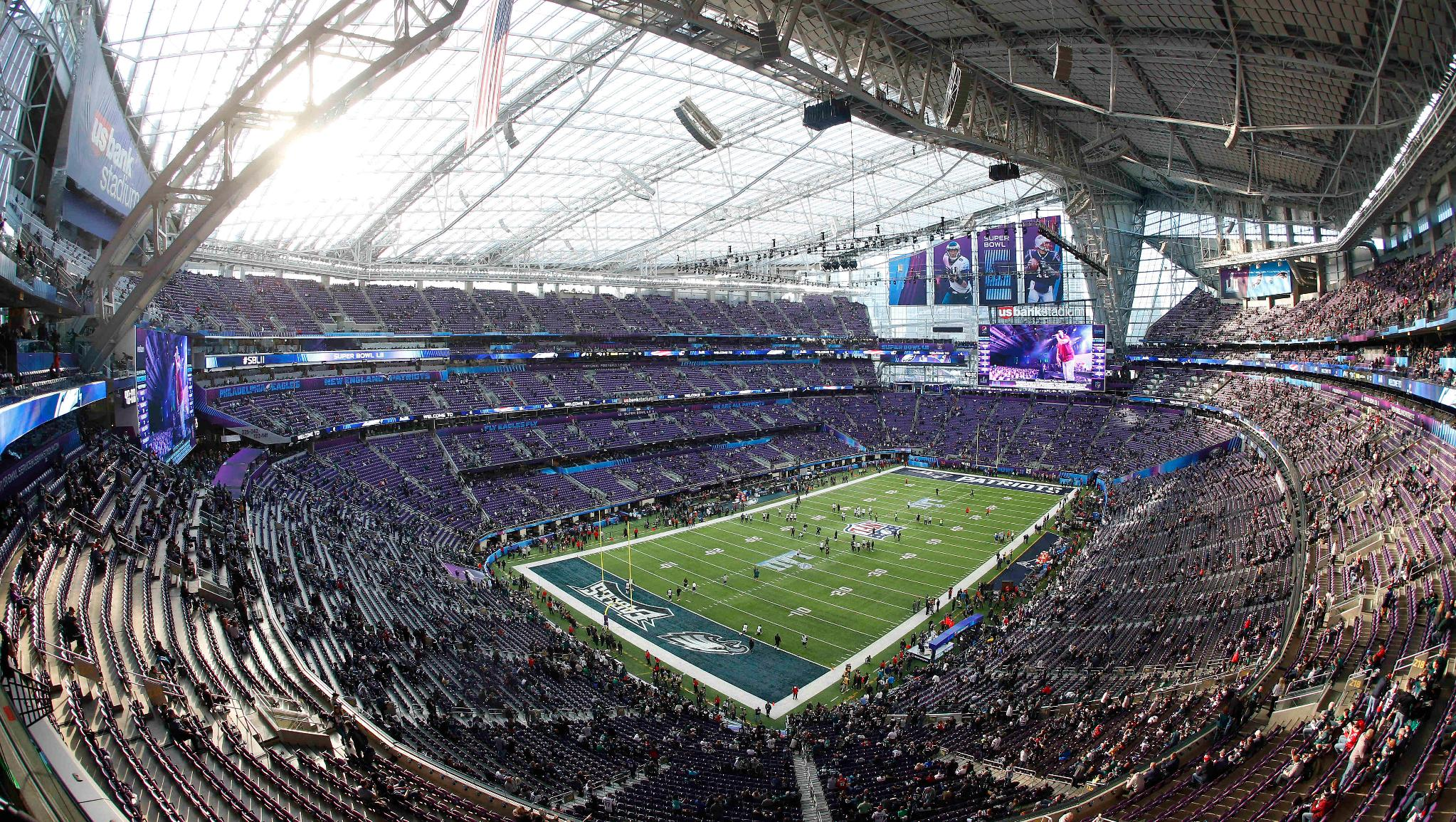 It was tough, but #Vikings fans found a silver lining in attending #SBLII.    ��: https://t.co/qY14eeDQZN https://t.co/rCg9XxV8Qm