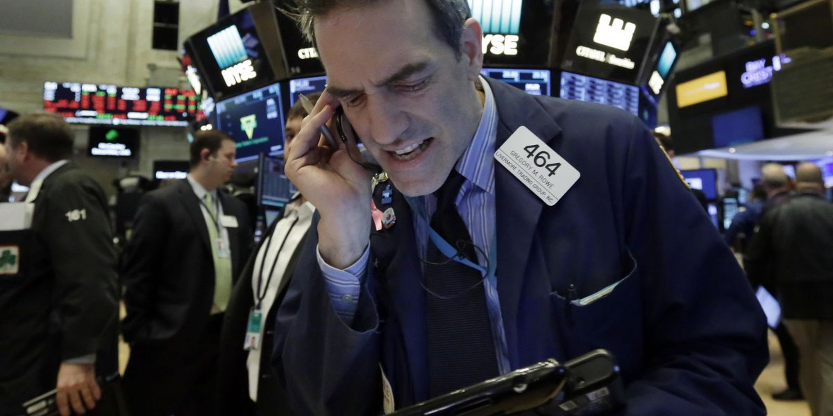 Stocks fall further as banks sink; Wells Fargo plunges