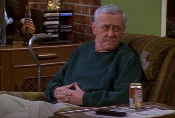 BREAKING: 'Frasier' star John Mahoney dies at 77 https://t.co/5uSZb50Ns0 https://t.co/wklvbPkcSN
