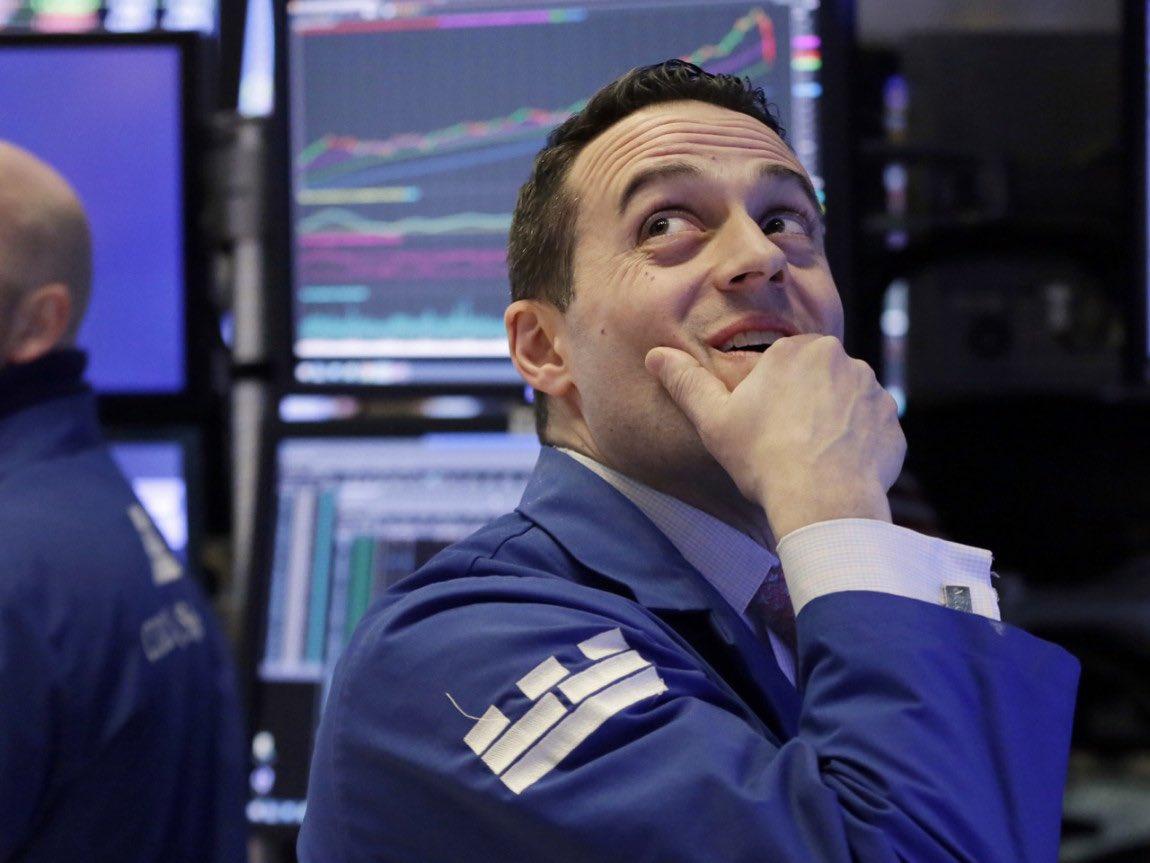 Could A Stock Market Downturn Tank Trump's Approval Rating? https://t.co/l9QmssxJzE https://t.co/QtxB29H9I3