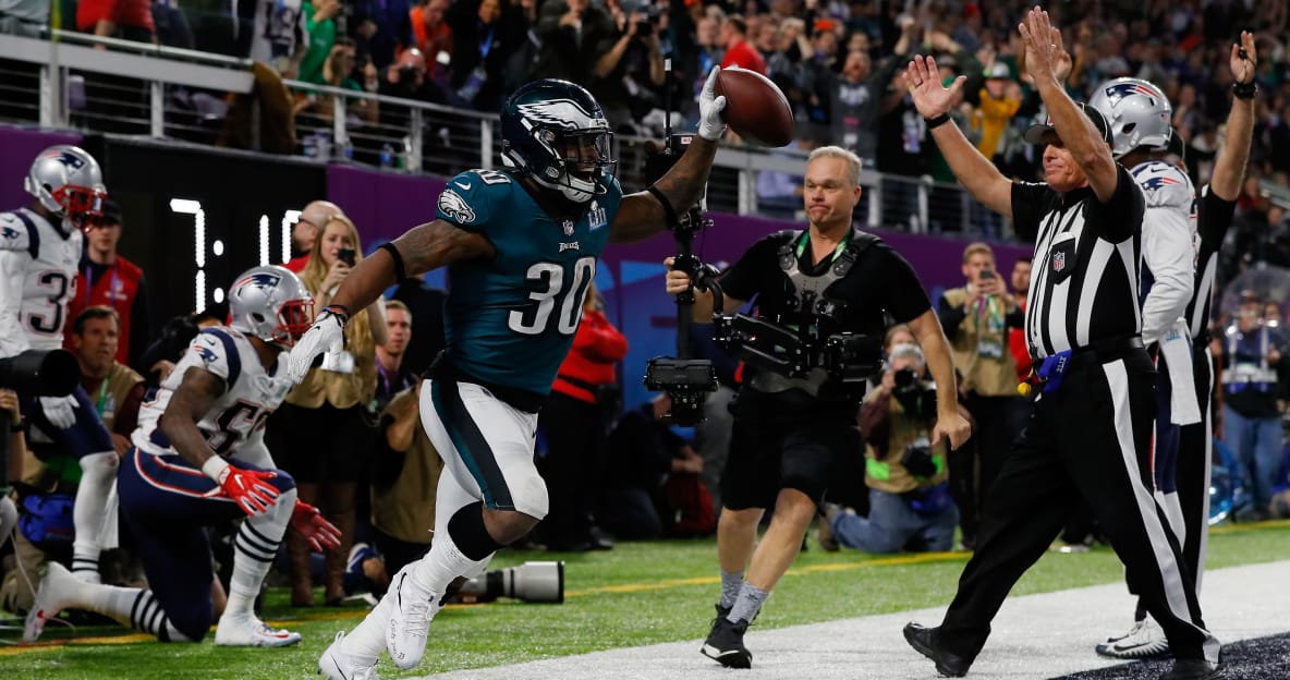 Corey Clement tells Jimmy Kimmel 'ball did not move once' on Super Bowl TD catch