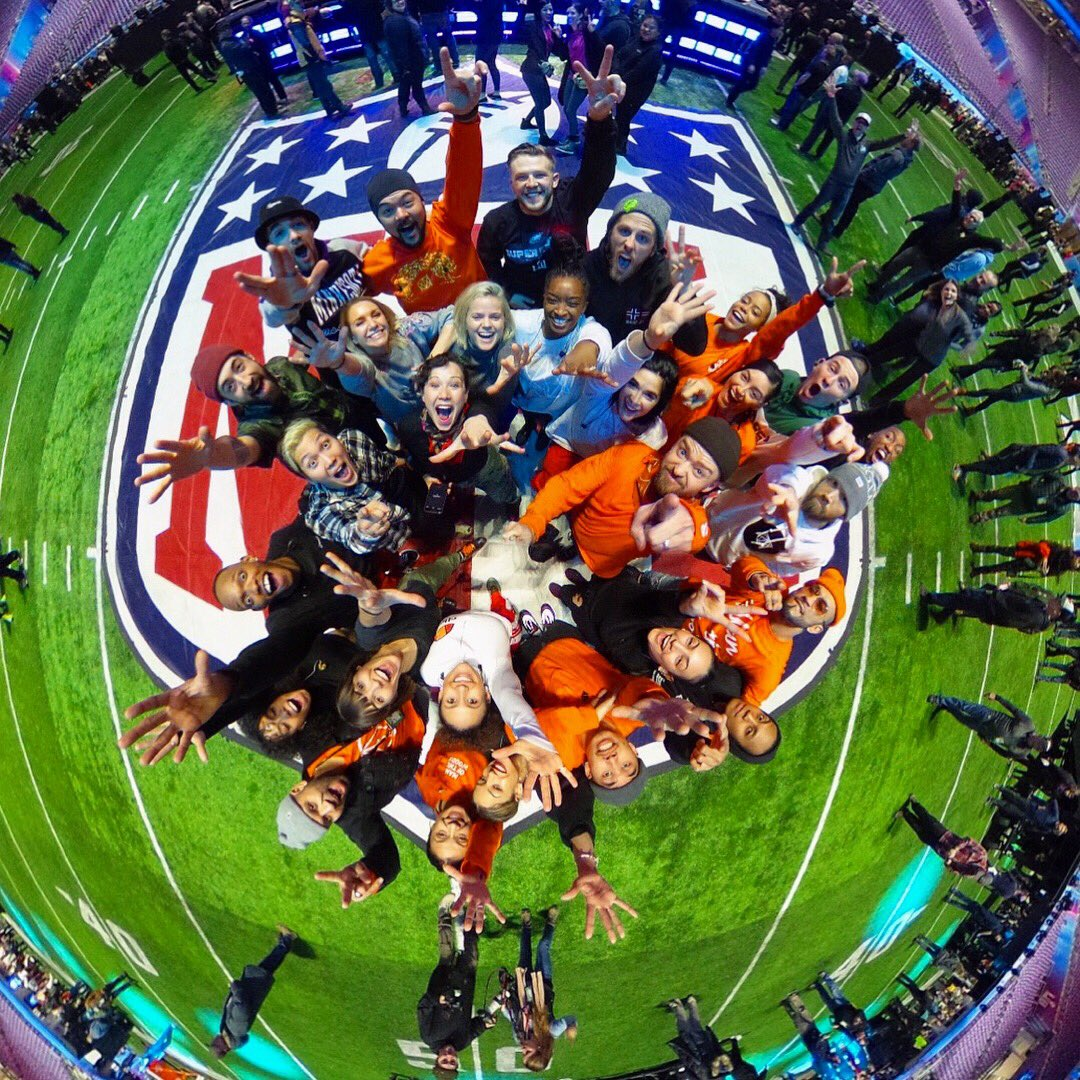 Thank you, THANK YOU #SBLII @nfl @pepsi! Congrats @Eagles��! We out!! @thetnkids #PepsiHalftime �� https://t.co/xjcjqAyBAc