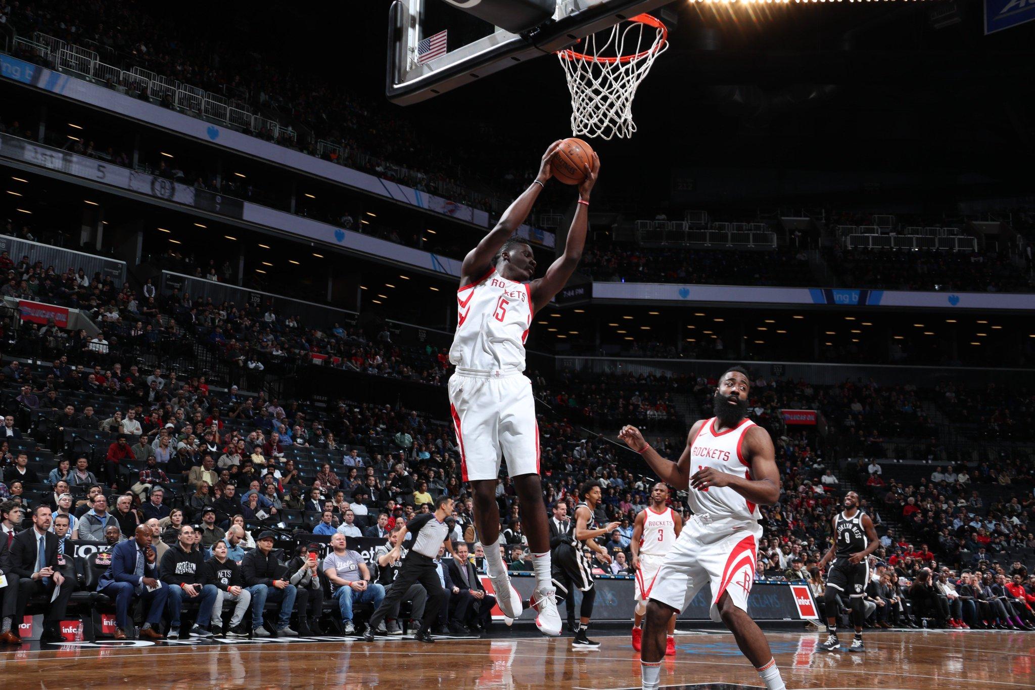 Solid first quarter. ��  #Rockets 38 l Nets 31   �� Capela 10PTS/5REB �� Green 8PTS https://t.co/z2lYhK2bU8