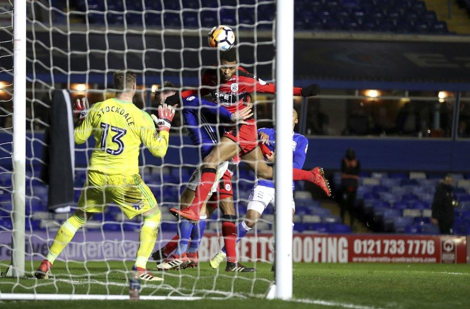 FA Cup: Swansea wins 8-1, Huddersfield sets up Man U match