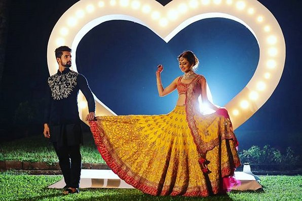 "test Twitter Media - ""The most beautiful moment in my life was when I was on stage for the Jai Mala & I saw her being carried on a doli. There were these golden lights around her & she looked beautiful. It was a very surreal moment, one that I can never forget."" #RaviDubey  #ShaadiCeleb #SargunMehta https://t.co/rESFw6FgH3"