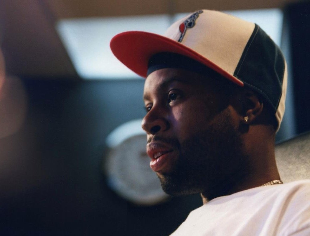 Salute to the greatest, J Dilla  Photo by B+, Detroit, 2003, Jaylib sessions https://t.co/UQpigFQ41y