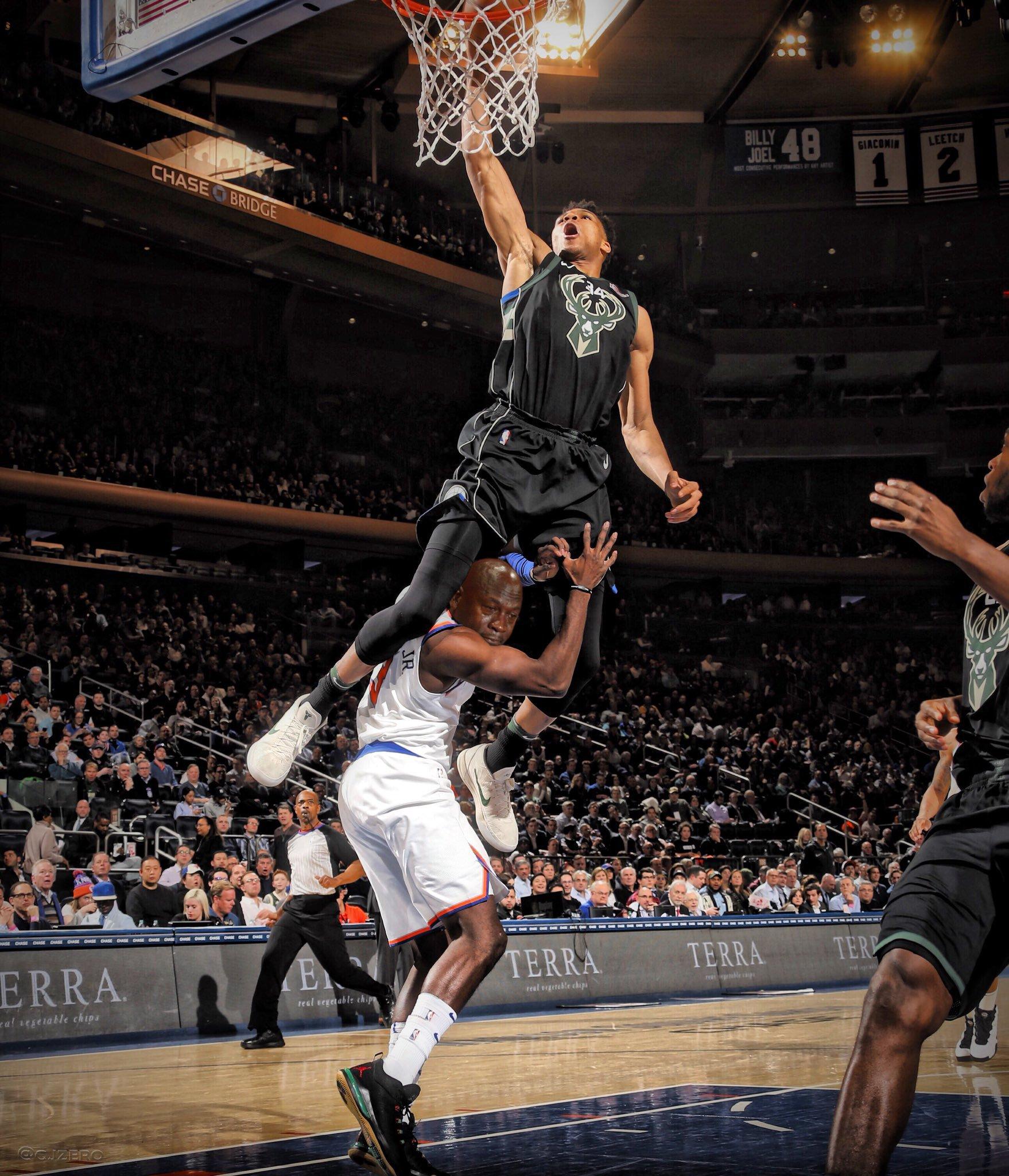 Giannis dunking over Tim Hardaway deserved this https://t.co/JvLiPhslmj