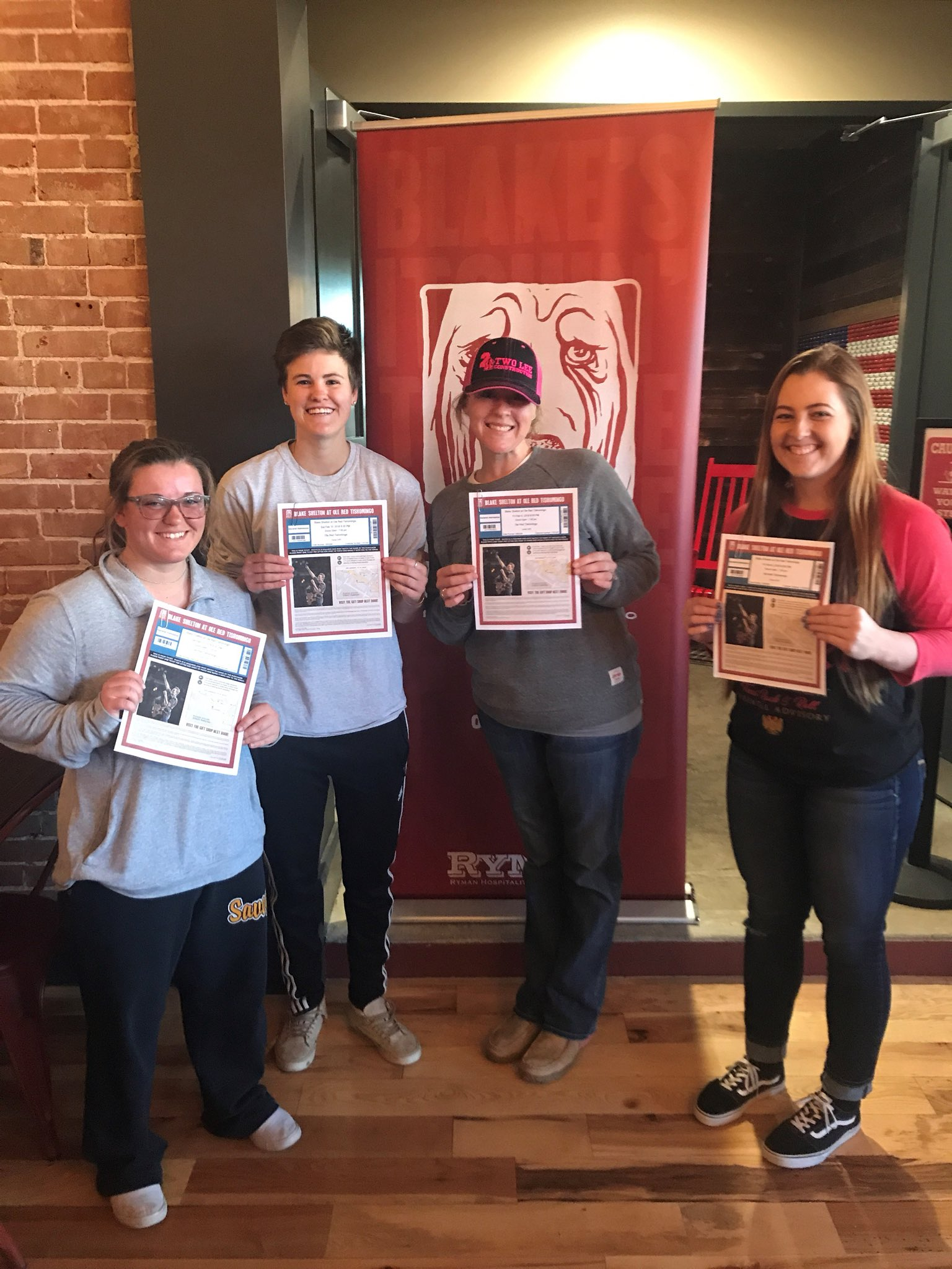 Winner winner!! Congrats y'all! See ya back at Ole Red! Thanks to everyone to joined the scavenger hunt! - Team BS https://t.co/PaQ5CrVQsj