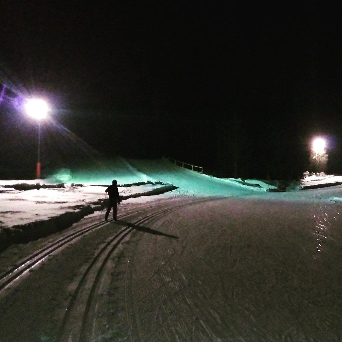 Apres-ski skiing on floodlit loipes