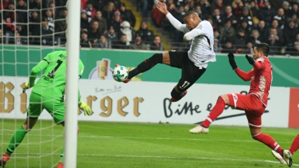 Frankfurt sink sloppy Mainz to reach Cup semis