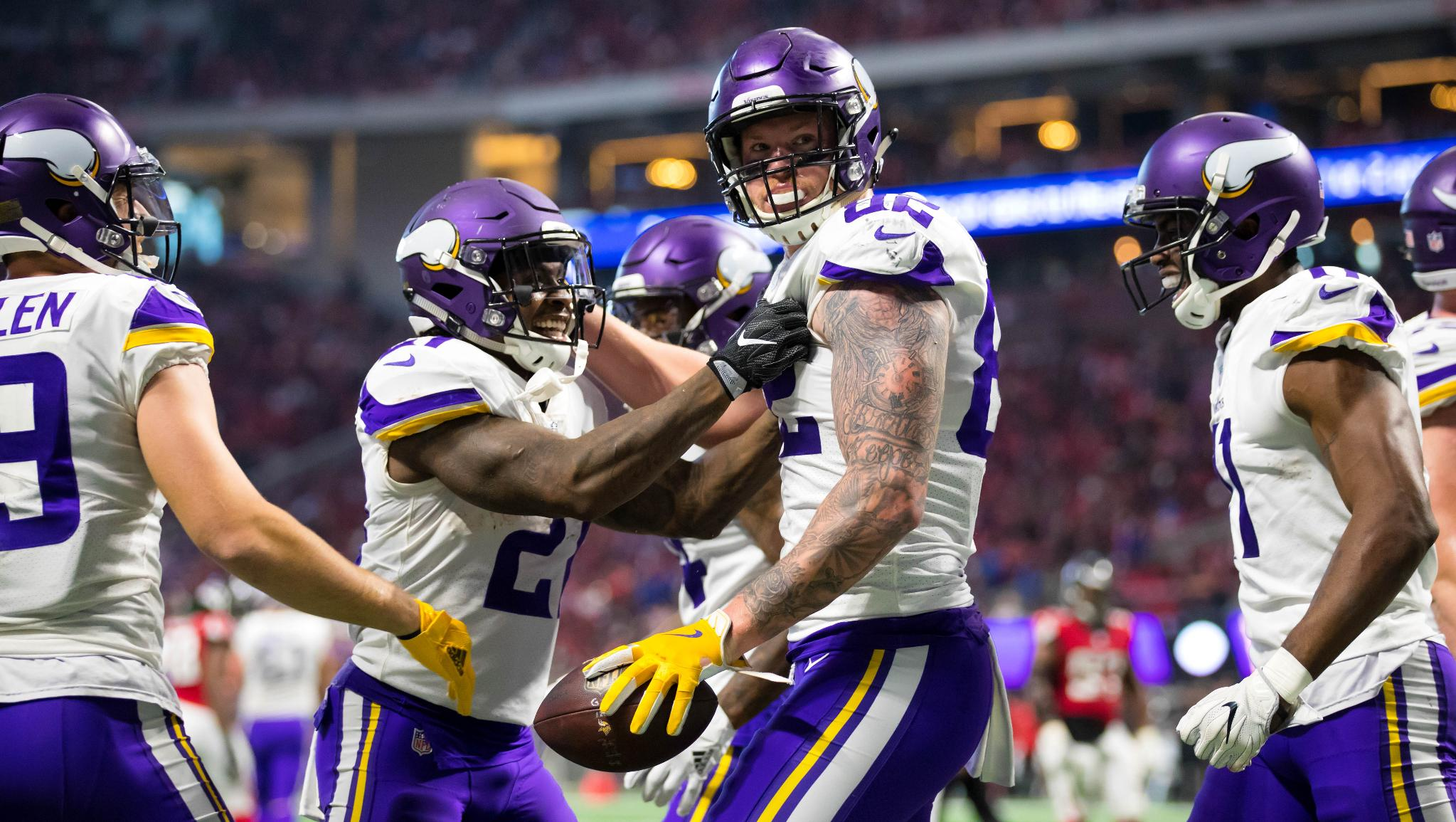 .@KyleRudolph82 finished tied for 2nd among NFL TEs with 8 TDs in 2017.  ��: https://t.co/BlJMf0jM1L https://t.co/eqvuIDJMjK