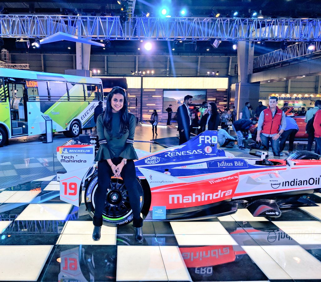 On familiar territory���� @MahindraRacing @dilbagh_gill  #AutoExpo2018 https://t.co/5vFp1pDaEq