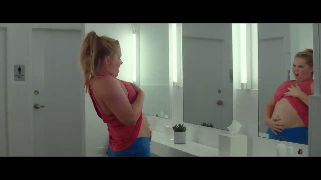 .@AmySchumer is comedy gold in her new film, 'I Feel Pretty.' #FeelPretty https://t.co/Sk1N8jg46K