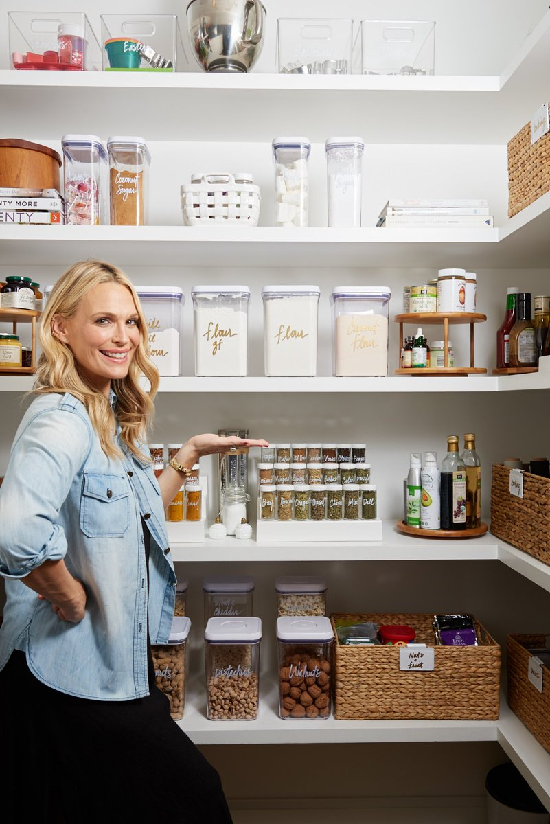 When it comes to healthy eating and meal planning, an organized pantry is key. Sharing how the amazing women behind the blog, website, and business @thehomeedit to help me organize and beautify my pantry at the link below 🙌🏼 https://t.co/863MEcctUR https://t.co/WQj6m6f6TD