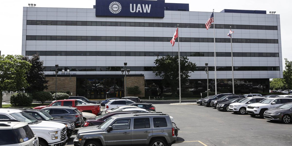 Why investors like Detroit automaker-UAW profit-sharing checks