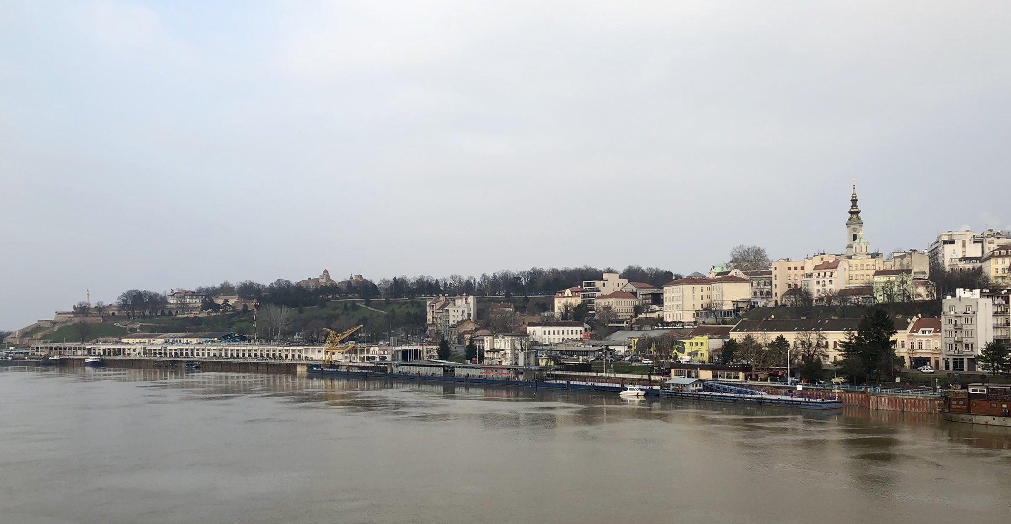 Estoy en Belgrado hoy y me maravillo de que su Universidad este en el puesto 200-300 con Serbia teniendo un PIB per capita de 13k€.  Nuestra @UMU esta en el 700-800 con la region de Murcia con PIBc de 20 k€. No entiendo la razón! Lo vamos a cambiar! @ArtalRectorUM https://t.co/3YqozoNoog