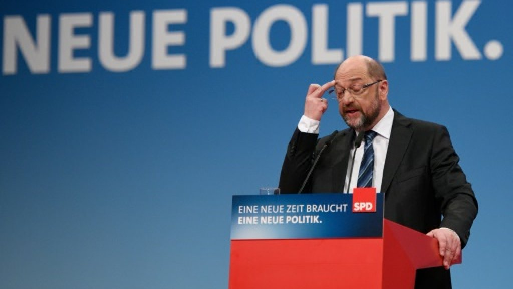 First defeat for Merkel 4.0 as would-be foreign minister quits