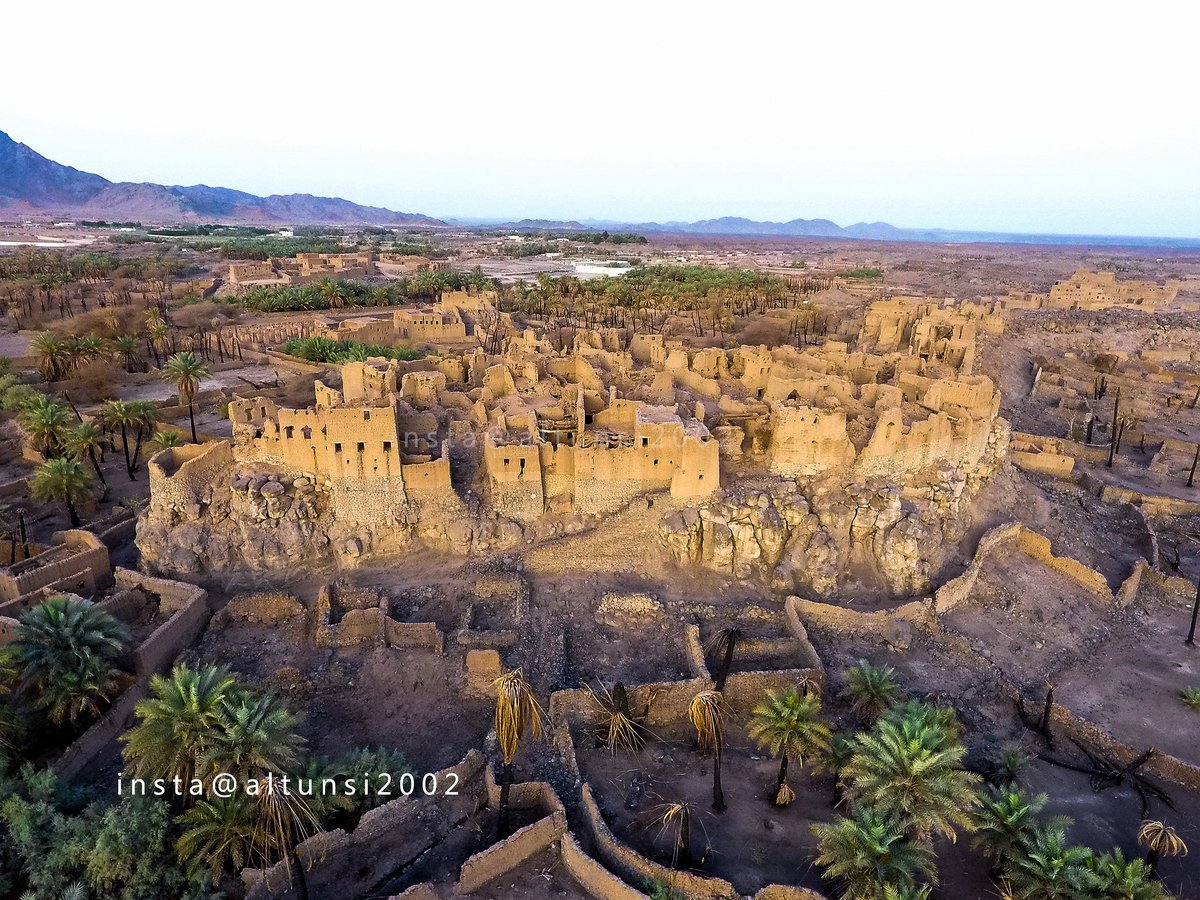 Old town in Khaibar, Madinah region, #SaudiArabia  Photo by @altunsi2002 https://t.co/0BLFwK0riE