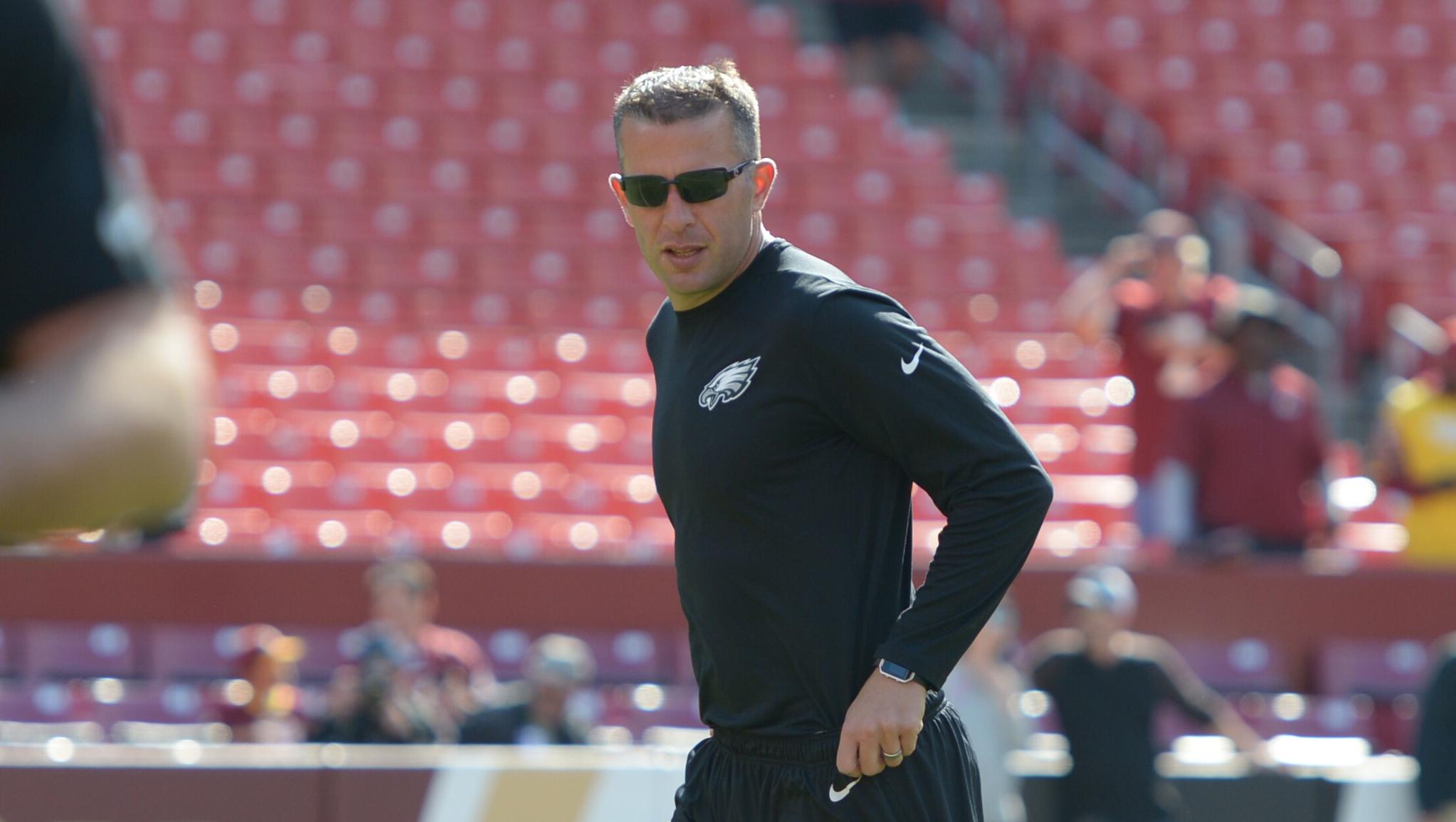 What does John DeFilippo look for in a quarterback?   'Character is number one for me.'   ��: https://t.co/8x1AIOr3fn https://t.co/3WzwOfpgIY