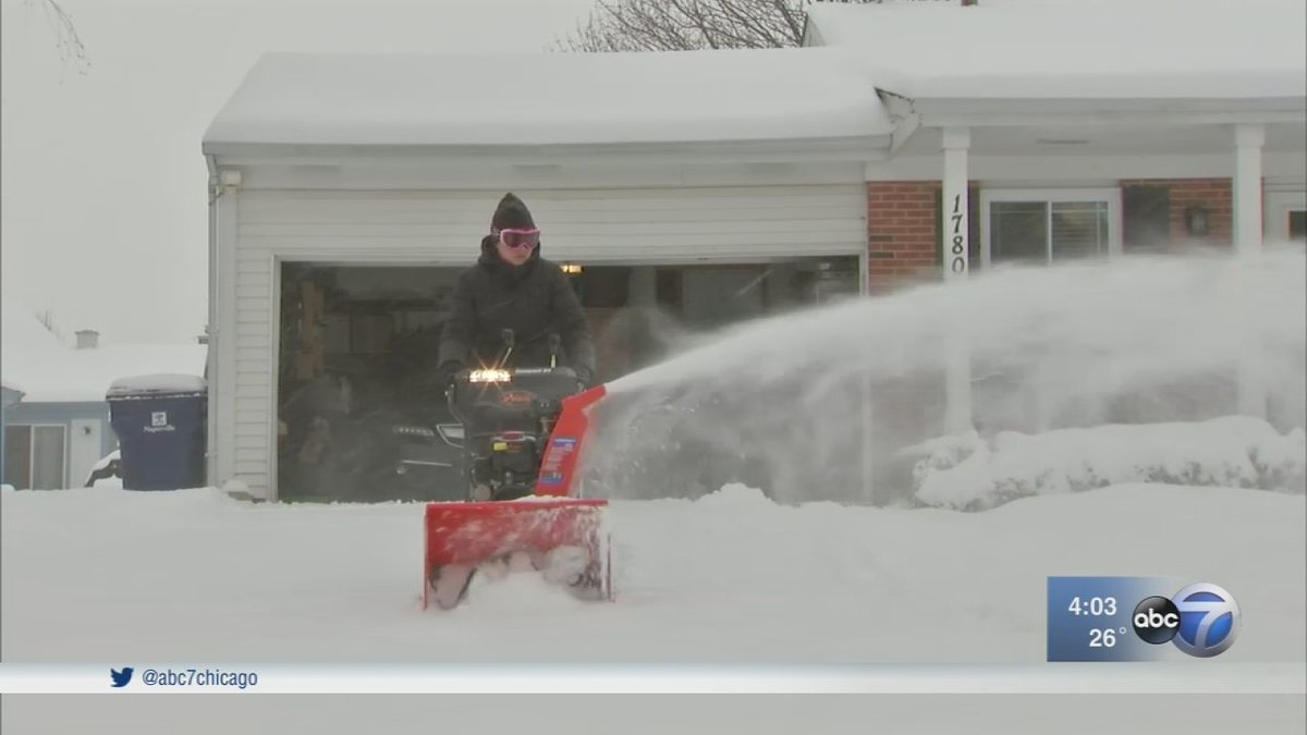 Chicago Weather: Winter storm dumps up to a foot of snow across the area