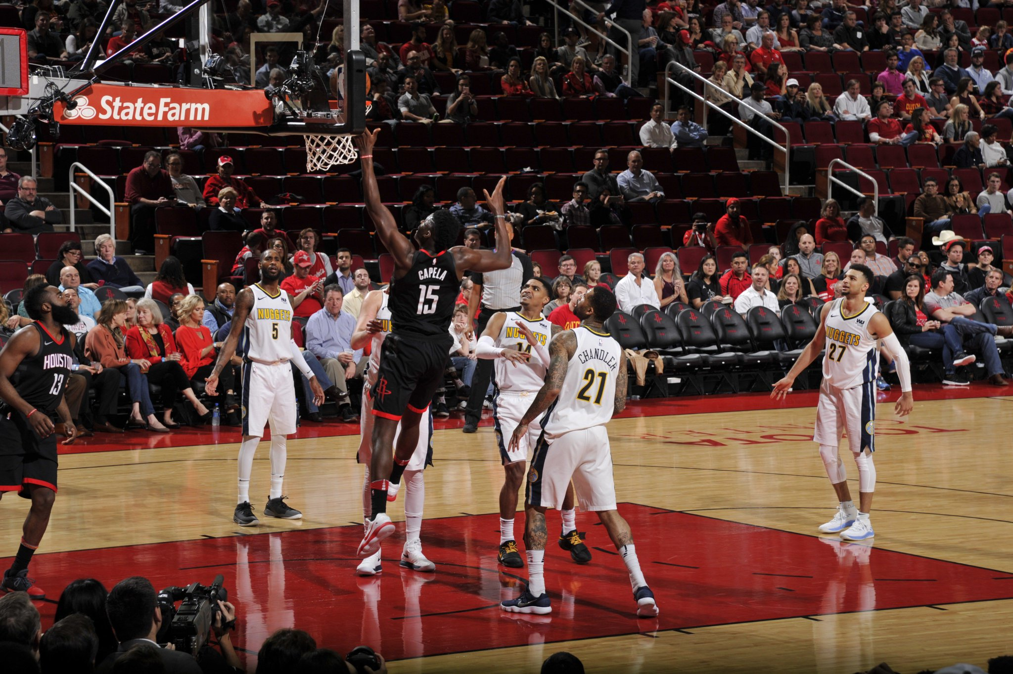 .@CapelaClint with a new career-high of 21 rebounds tonight! �� https://t.co/oyQhGnvwt2