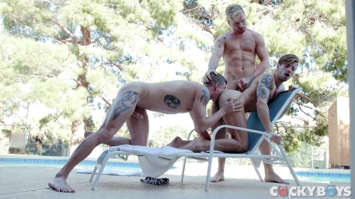 RT @_RomanSteele: @cockyboys @SeanMaygers @JoshMooreXXX fucks @TheCaseyEverett https://t.co/qDIdM4sCFK