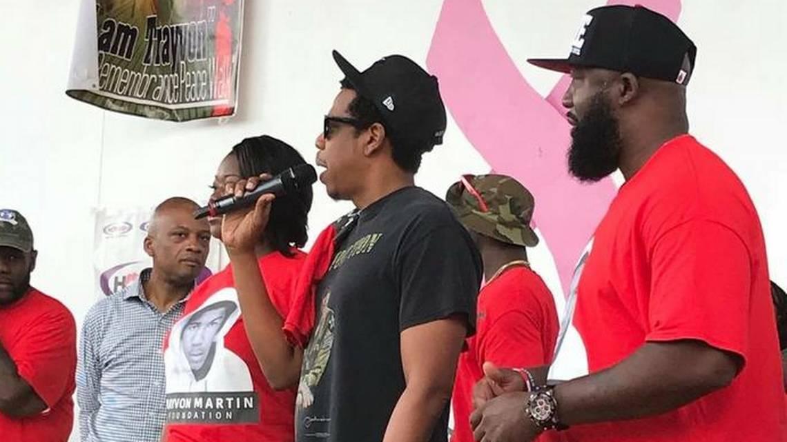 Jay Z lends his star power to Trayvon Martin peace walk https://t.co/qAU36nmbNi https://t.co/5I6GOR1glz