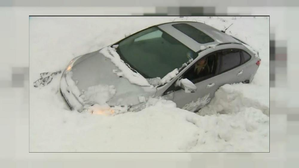 Winter snowstorm sweeps across US midwest