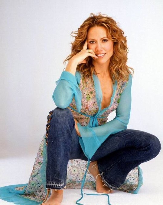 Happy 56th Birthday to the beautiful and talented Sheryl Crow.