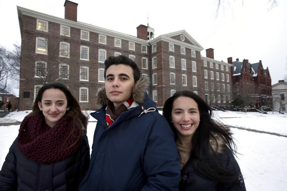 Help for Puerto Rican college students has islanders worried