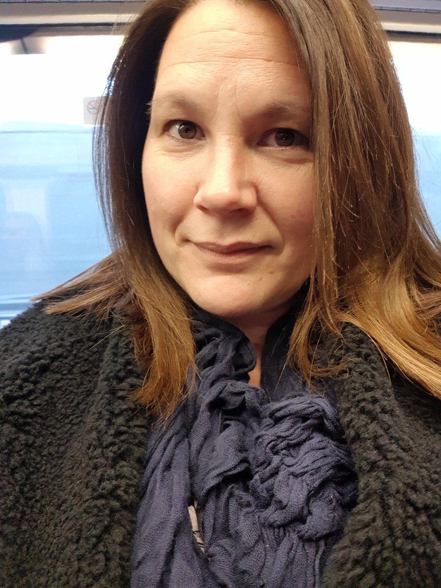 On the Tube 😍 5jSRM1nKA6